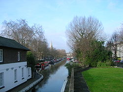 Le Grand Union Canal.
