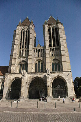 Façade occidentale  de la cathédrale de Noyon